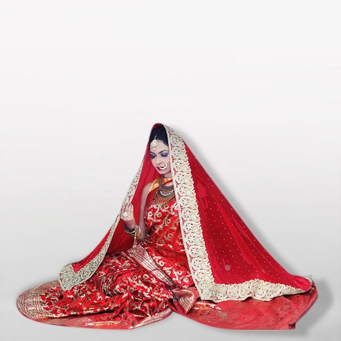 Red and White Silk Sharee For Women
