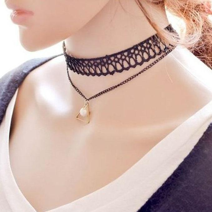 Black Stone and Alloy Choker For Women