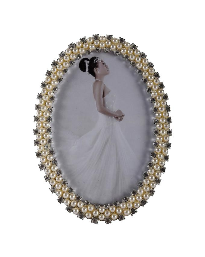 Oval Shaped Picture Frame - 4R - Beige and Silver