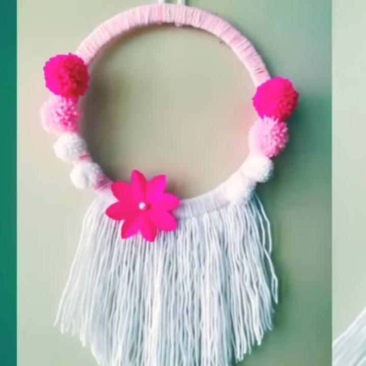 Dry Wall Hanging Woollen Craft And Paper Flower