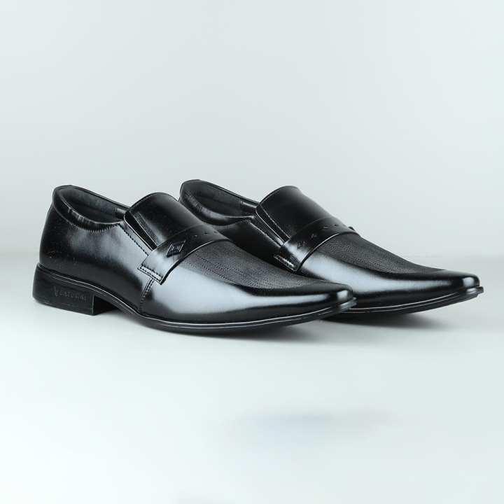 VENTURINI Black Leather Dress Shoe for Men